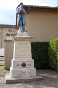 Monument aux morts Chaintré.jpeg